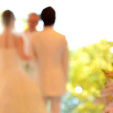 結婚ラッシュに備え、格安SIMで「ご祝儀貧乏」から脱出!