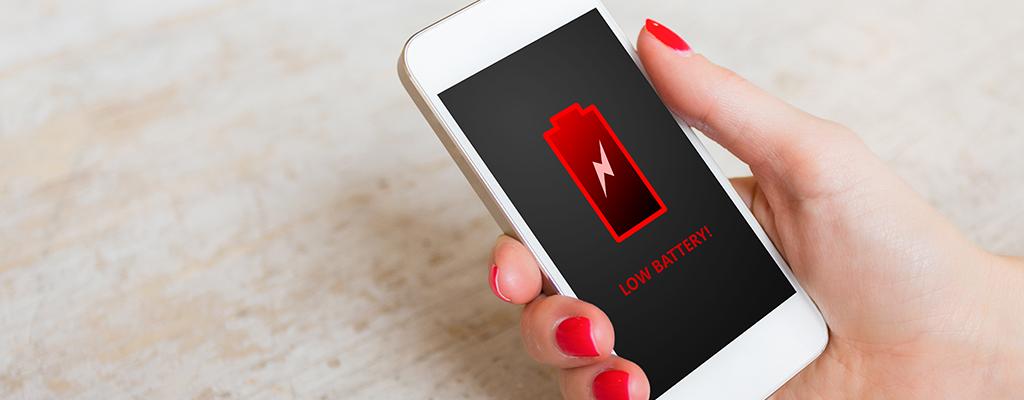 iPhoneバッテリー交換の目安は?交換費用や実際の手順を解説