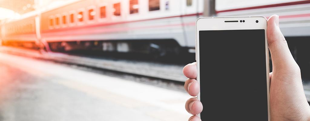 「Googleマップ」で駅をタップするだけ!電車の出発時刻がすぐわかる!