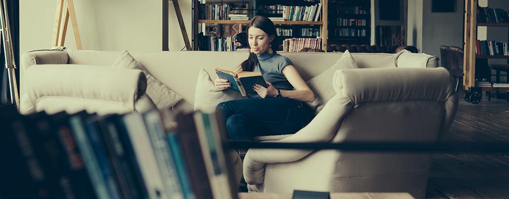 本好きのためのブックホテルとは?魅力とオススメ宿3選