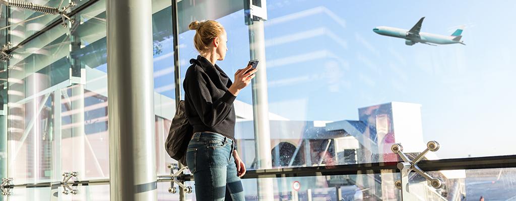 【2019年夏版】海外旅行で役立つアプリ|出発前にインストールしておこう!