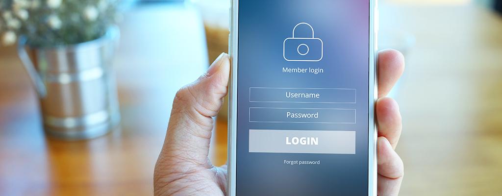 【iPhone】Safariでサイトごとにユーザー名とパスワードを自動入力する方法