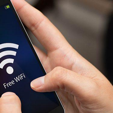 公衆Wi-Fiのリスクとは?安全に接続するための4つのポイント