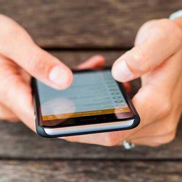 【iPhone】写真にキャプションをつけておくと、あとから検索で簡単に見つけられる!