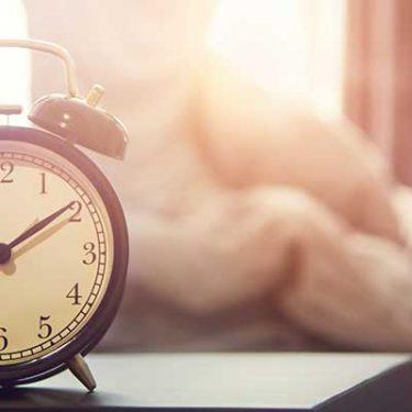 朝が苦手な人は世界最高の目覚ましアプリ「Alarmy」がおすすめ